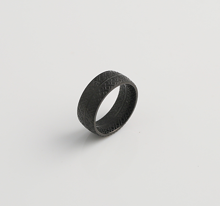 Patterned fashion ring