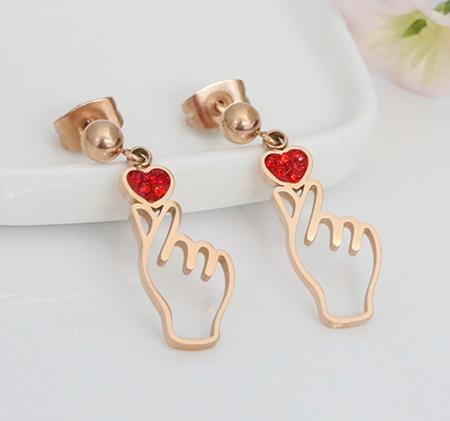 Fashion than heart earrings