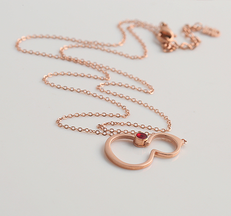 Red diamond gourd necklace