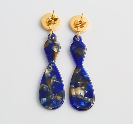 Beam-shaped streamer earrings