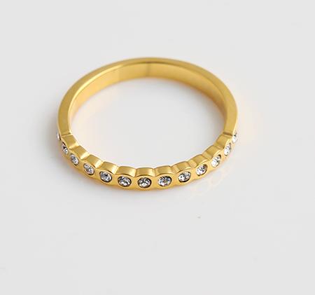 Wavy stainless steel diamond ring