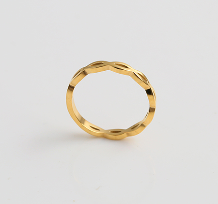Elliptical openwork ring