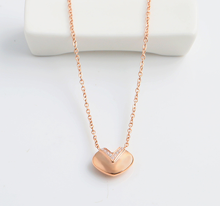 Heart-shaped diamond stainless steel necklace