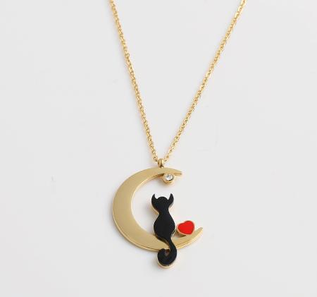 Black cat moon single diamond necklace