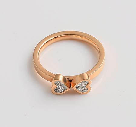 Double heart-shaped diamond-studded titanium steel ring