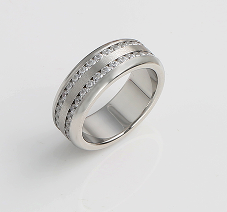 Double row diamond-studded titanium steel ring